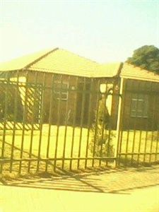 For Sale, House, Karenpark -Ref No 2676585 ZAR 660,000