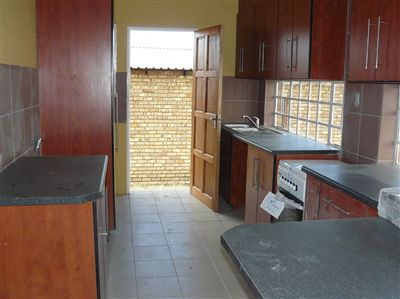 Witbank property for sale. Ref No: 2682058. Picture no 24