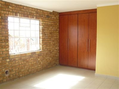 Witbank property for sale. Ref No: 2682058. Picture no 25