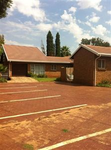 Commercial for sale in Eldoraigne