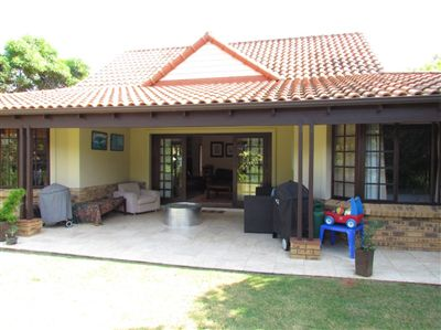 Cluster for sale in Zimbali