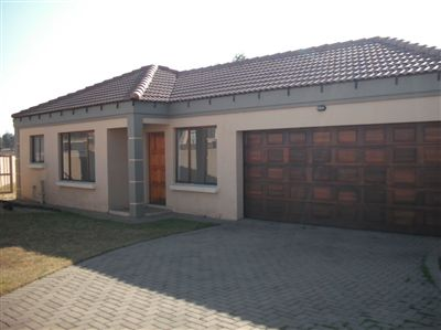 Property and Houses for sale in Jackaroo Park, Townhouse, 3 Bedrooms - ZAR 715,000