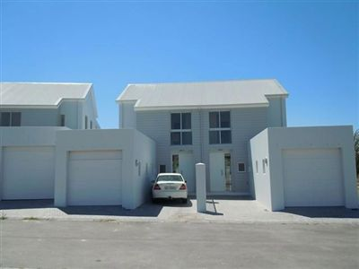 For Sale, House, Paarl Central -Ref No 3037161 ZAR 999,999,999