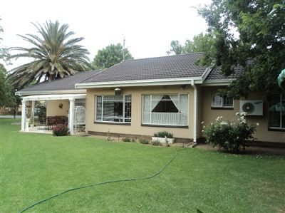 Property viljoenskroon : Houses For Sale viljoenskroon, Viljoenskroon, House 4 bedrooms property for sale Price:800,000