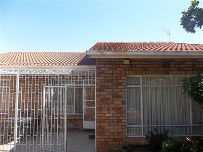 For Sale, Cluster, Meredale -Ref No 3088176 ZAR 865,000