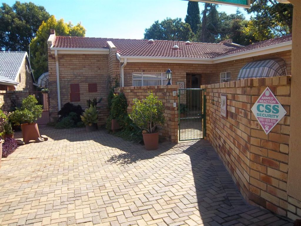 Private, secure and spacious. Irenepark Klerksdorp
