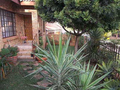 Azalea Park property for sale. Ref No: 3100777. Picture no 2