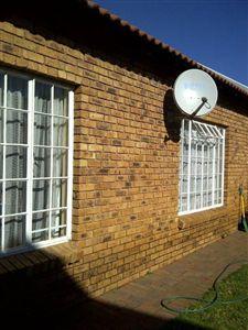 Safari Gardens property for sale. Ref No: 3105654. Picture no 1
