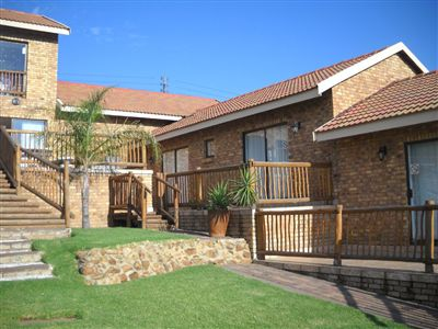 Property and Houses for sale in Vaal Dam, House, 8 Bedrooms - ZAR 4,000,000