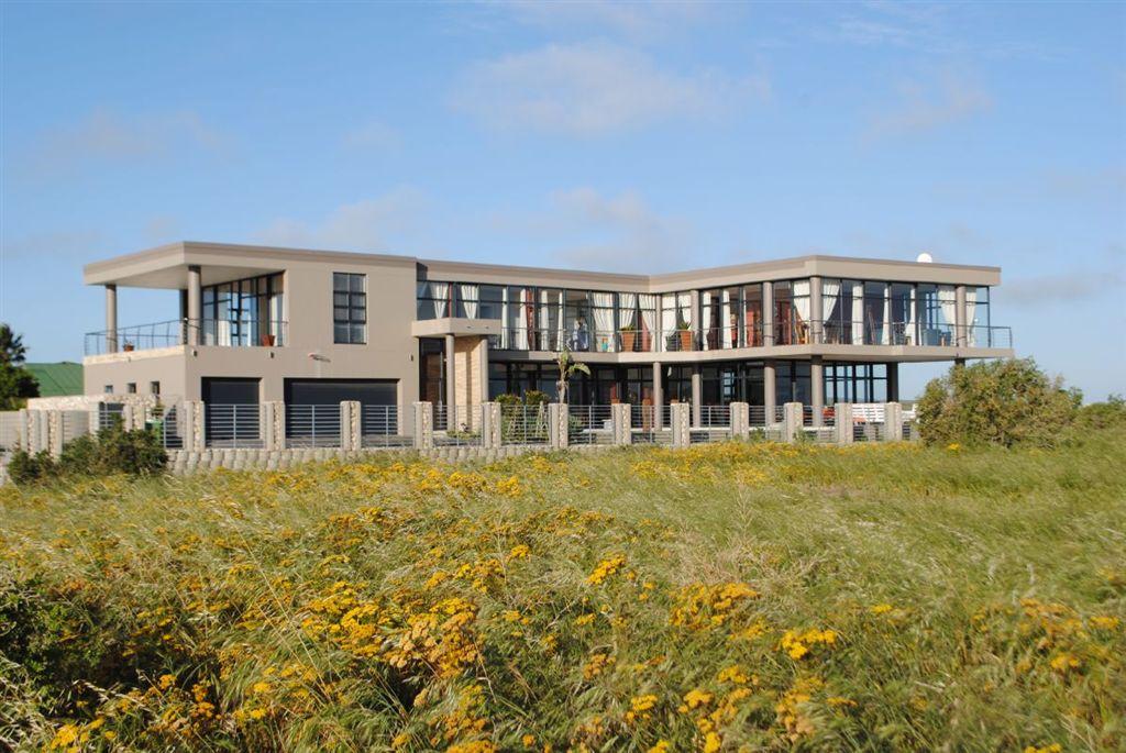 Architect Designed Executive Residence