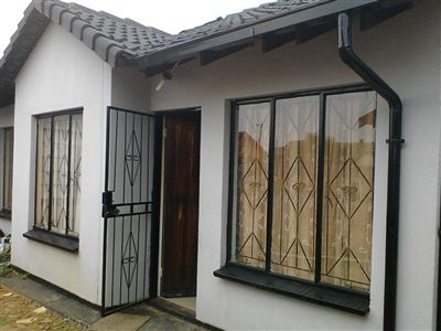 For Sale, House, Buhle Park -Ref No 3160263 ZAR 410,000