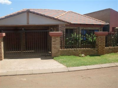 Vosloorus House For Sale in Boksburg ZAR 765,000