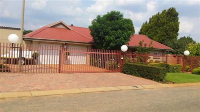 House for sale in Flamwood
