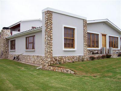 House for sale in Stilbaai