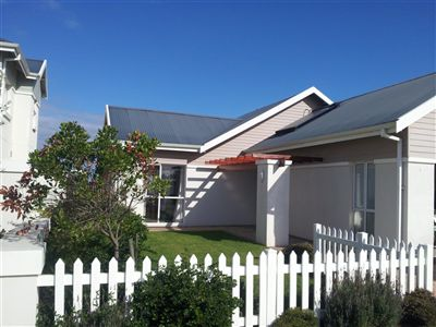 House for sale in Jeffreys Bay