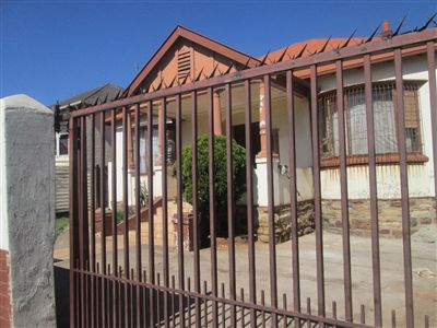 Yeoville House For Sale in Johannesburg ZAR 1,550,000