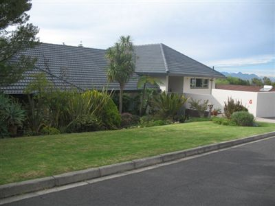 House for sale in Durbell