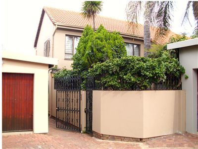 Townhouse for sale in Arcadia