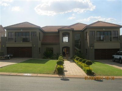House for sale in Pebble Rock Golf Village