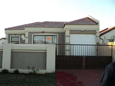 Leondale House For Sale in Germiston ZAR 780,000