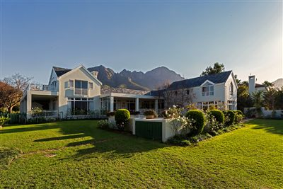 House for sale in Erinvale Estate