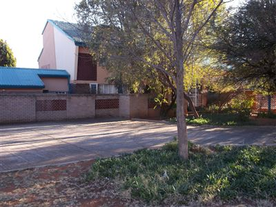 Klerksdorp, Adamayview Property  | Houses For Sale Adamayview, Adamayview, Flats 2 bedrooms property for sale Price:300,000