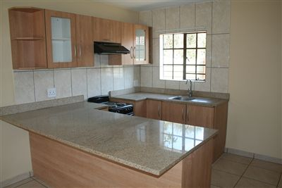 Oos Einde property for sale. Ref No: 3210136. Picture no 3