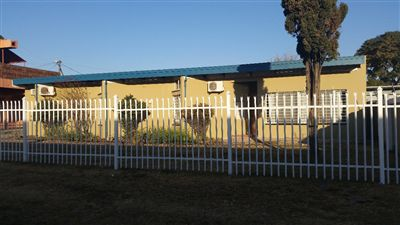 Property and Houses for sale in Brits Central, House, 3 Bedrooms - ZAR 1,850,000