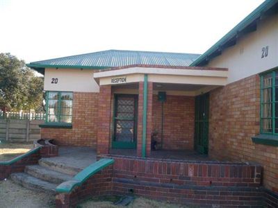 Property and Houses for sale in Boksburg North, House, 2 Bedrooms - ZAR 880,000