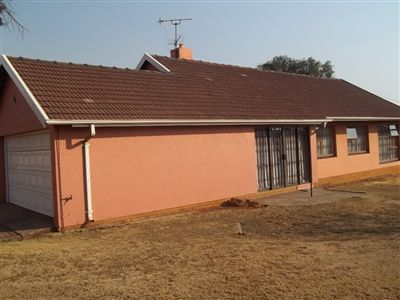 Property and Houses for sale in Leondale, House, 3 Bedrooms - ZAR 795,000