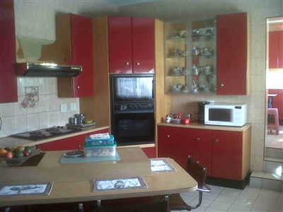 Laudium & Ext property for sale. Ref No: 3215363. Picture no 3