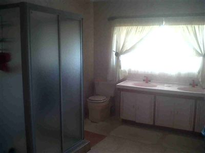 Laudium & Ext property for sale. Ref No: 3215363. Picture no 14