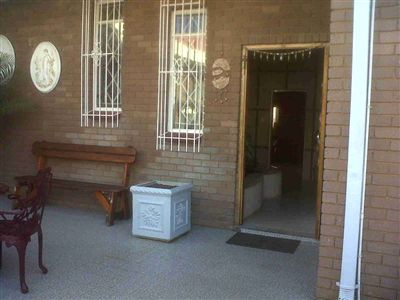 Laudium & Ext property for sale. Ref No: 3215363. Picture no 16