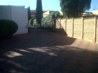 Laudium & Ext property for sale. Ref No: 3215363. Picture no 21
