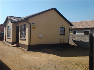 Property and Houses for sale in Leondale, House, 2 Bedrooms - ZAR 550,000