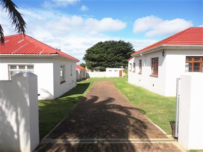 House for sale in Central Jeffreys Bay