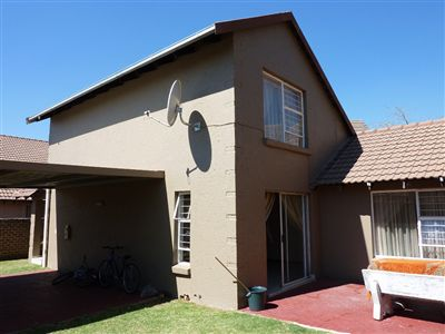 Cluster for sale in Kempton Park