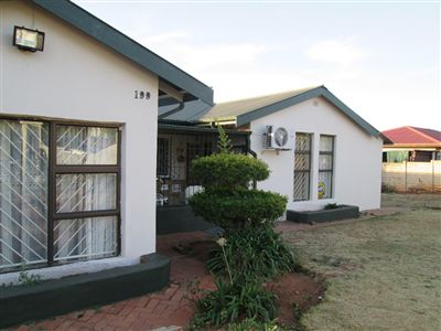 Pretoria, West Park Property  | Houses For Sale West Park, West Park, House 3 bedrooms property for sale Price:1,295,000