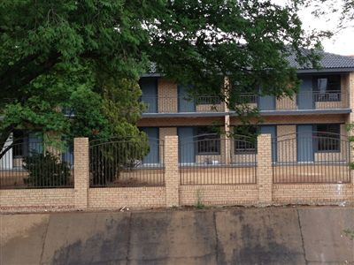Potchefstroom Central property for sale. Ref No: 13252639. Picture no 8