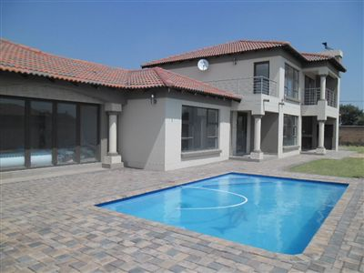 House for sale in Vanderbijlpark Se8