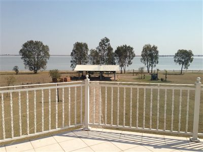 Property and Houses for sale in Vaal Dam, House, 4 Bedrooms - ZAR 4,990,000