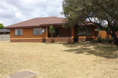 Witbank, Duvha Park Property  | Houses For Sale Duvha Park, Duvha Park, House 3 bedrooms property for sale Price:1,070,000