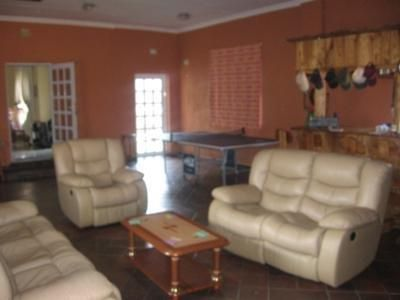 Azalea Park property for sale. Ref No: 3256837. Picture no 3