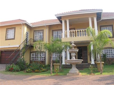 Azalea Park property for sale. Ref No: 3256837. Picture no 15