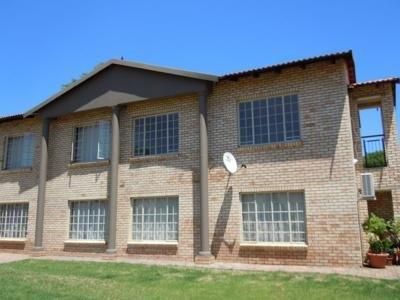 Rustenburg & Ext property for sale. Ref No: 3256838. Picture no 1
