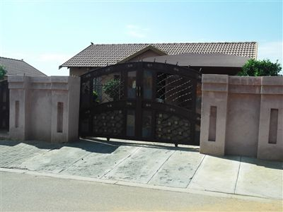 Rustenburg, Tlhabane Property  | Houses For Sale Tlhabane, Tlhabane, House 3 bedrooms property for sale Price:650,000