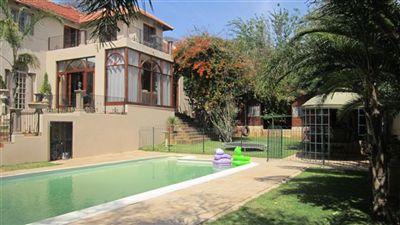 House for sale in Kensington