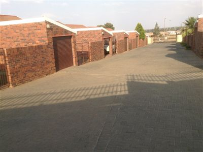 Bloemfontein, Uitsig Property  | Houses For Sale Uitsig, Uitsig, Townhouse 2 bedrooms property for sale Price:590,000