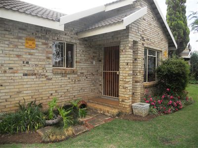 Potchefstroom, Kannoniers Park Property  | Houses For Sale Kannoniers Park, Kannoniers Park, Townhouse 2 bedrooms property for sale Price:923,000