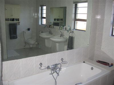 Cashan And Ext property for sale. Ref No: 3266220. Picture no 21